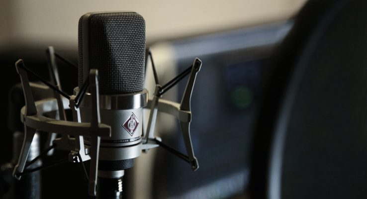 Why Condenser Mics Aren't the Best Option for Most Beginner Podcasters